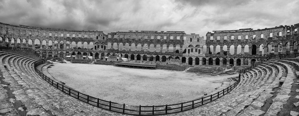 Pula_Roman_Amphitheatre-Edit.jpg
